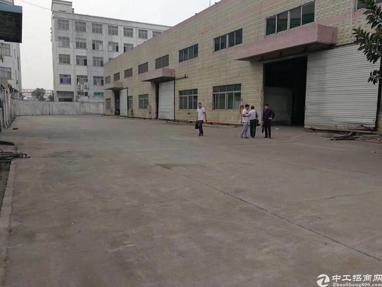 福永沿江高速出口8600平钢构出租