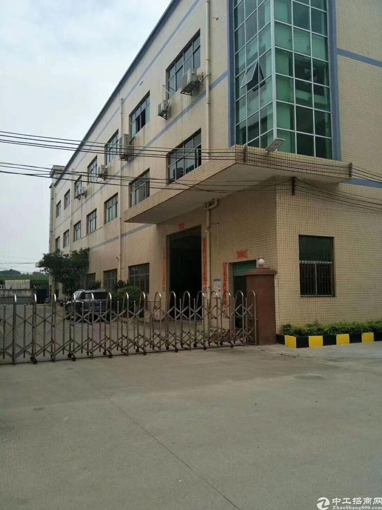 福永白石厦新出楼上1800平方厂房出租
