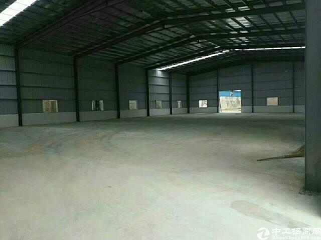 企石东山工业区全新铁皮房2500平方(滴水高度7米)