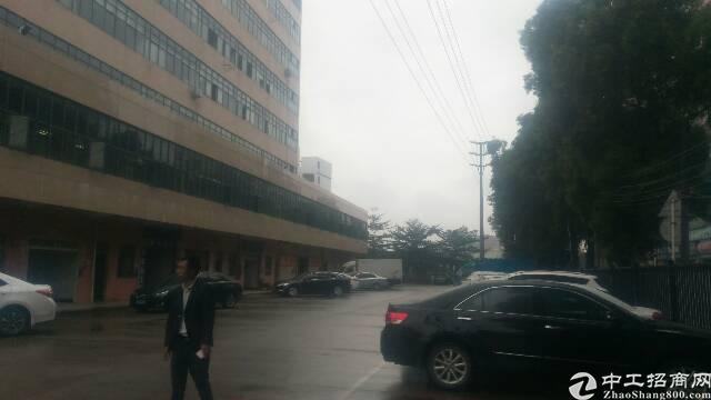 公明新出独门独院两万平米厂房。