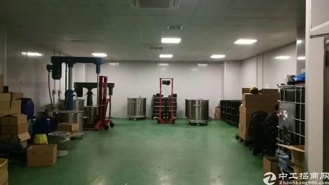 松岗松福大道边地铁口新出楼上精装修厂房780平-图2