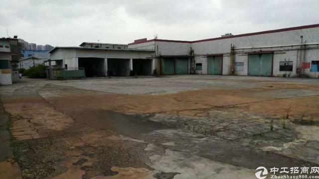 布吉独院钢构4200平方低价招租