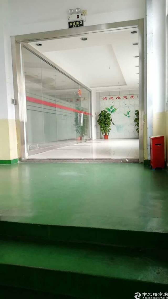 松岗天虹附近新出楼上整层1800平方豪华装修厂房出租