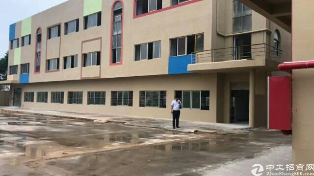石排新出独院厂房三层3600平方,宿舍800平方