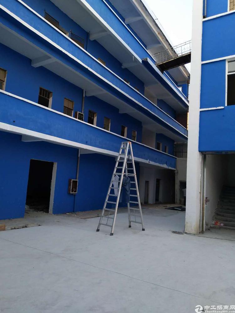 龙岗 横岗永湖地铁口厂房1楼480平米招租