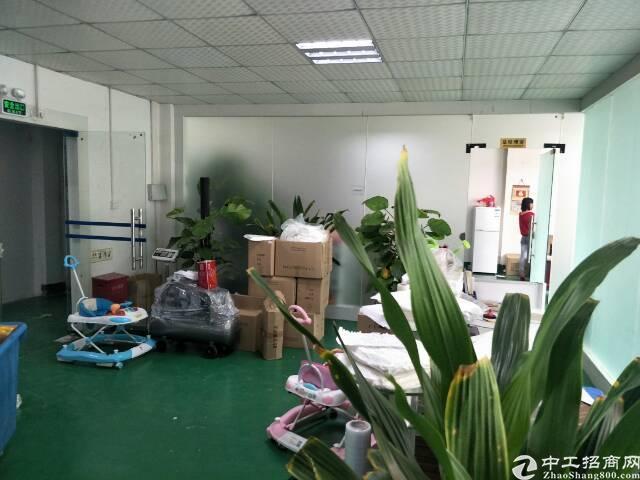 福永新和新出楼上400平米精装修厂房出租