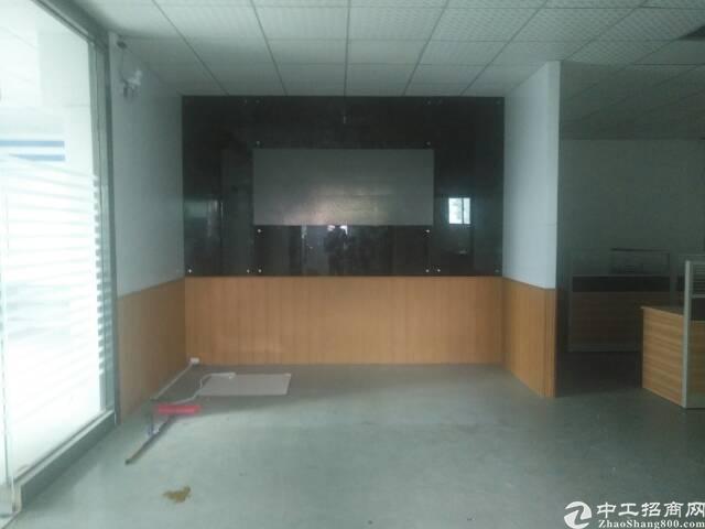 出租福永和平18元每平米带装修1200平米厂房