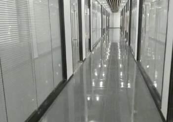 横岗新处写字楼 800平方 价格 40元 永福地铁站 旁边图片4