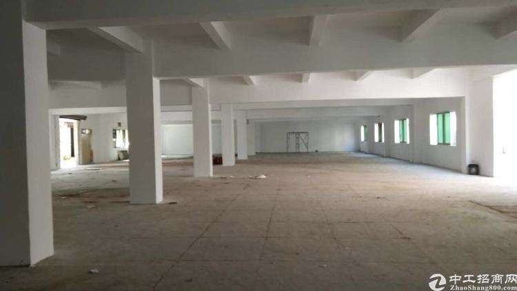 福永镇凤凰工业区楼上350平方带简单装修厂房招租