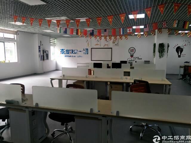 福永桥头宝安大道边新出楼上2400平米精装修厂房出租