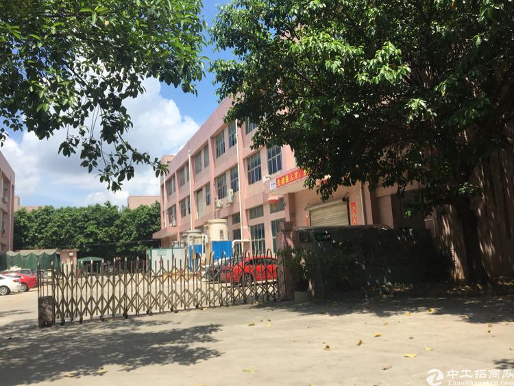松岗燕川工业园一楼整层现成行车1550平米招租