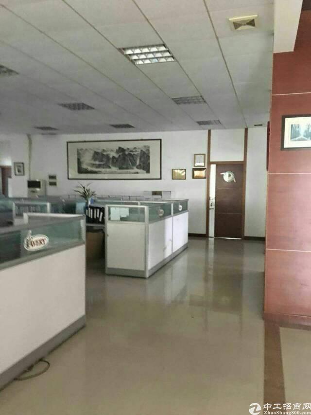 坑梓镇新出楼上整层面积1200平带精装办公室低价出租