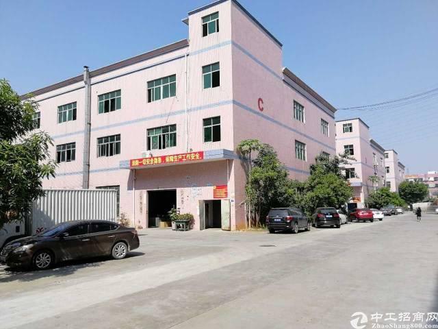 福永凤凰新出楼上1600平米带装修厂房出租