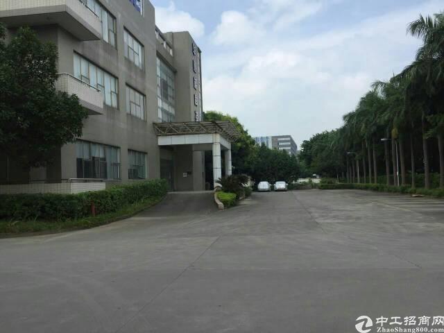 福永和平新出楼上2000平米带装修厂房出租