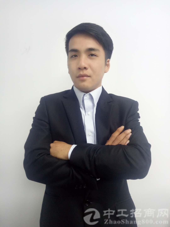 厂房经纪人彭俊锦