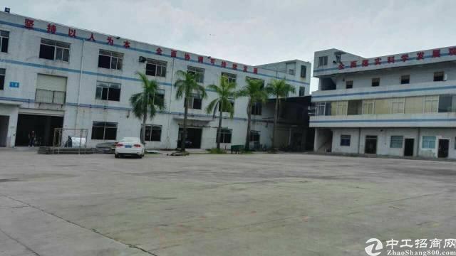 龙岗宝龙1800平米一楼原房东厂房租28