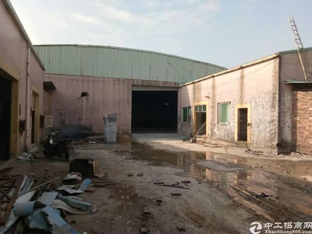 沙田镇福禄沙村单一层厂房出租。