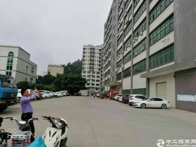 观澜清平高速附近新出楼上整层2250平方带装修出租