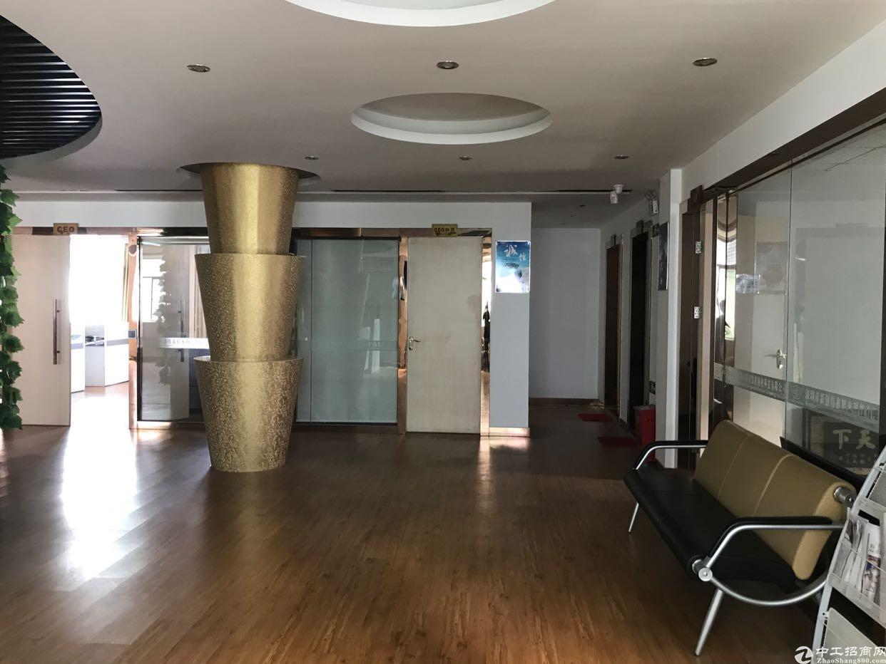 横岗 六约社区标准厂房二楼精装修1650平招租