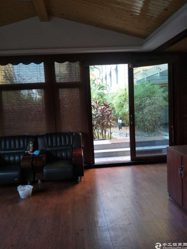 松岗沃尔玛附近原房东房产证精装修写字楼2300平米低价出租