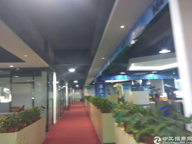 清湖地铁口100米处整层豪华装修办公室出租