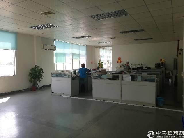 观澜创新工业园新出二楼4200平方带精装修