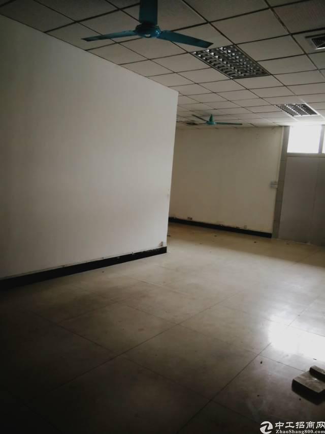 虎门怀德标准厂房三楼3200平方/13元,有现成办公室装修