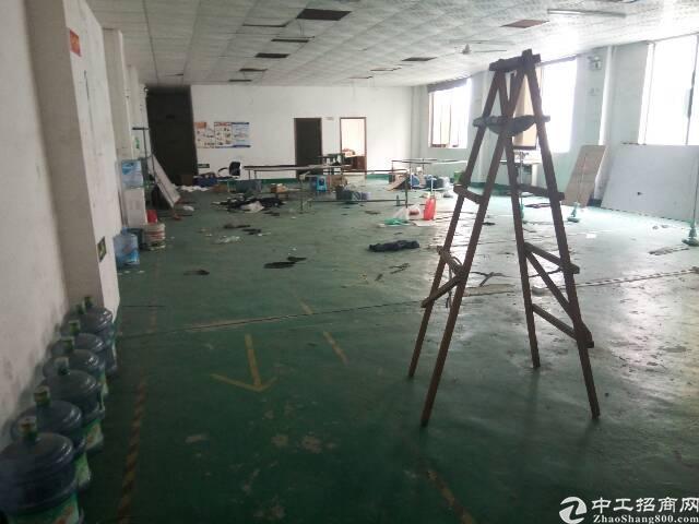 平湖现有1400平米带装修厂房对外出租