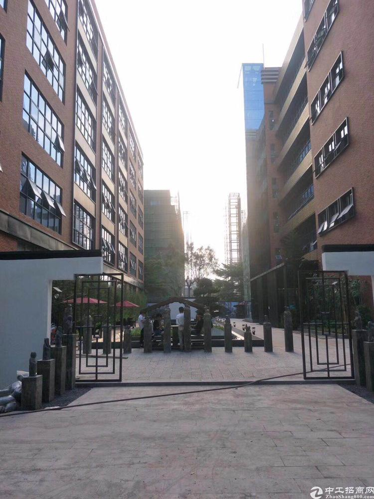 民治地铁口科技小镇写字楼出租,精装修,带家私,真实图片