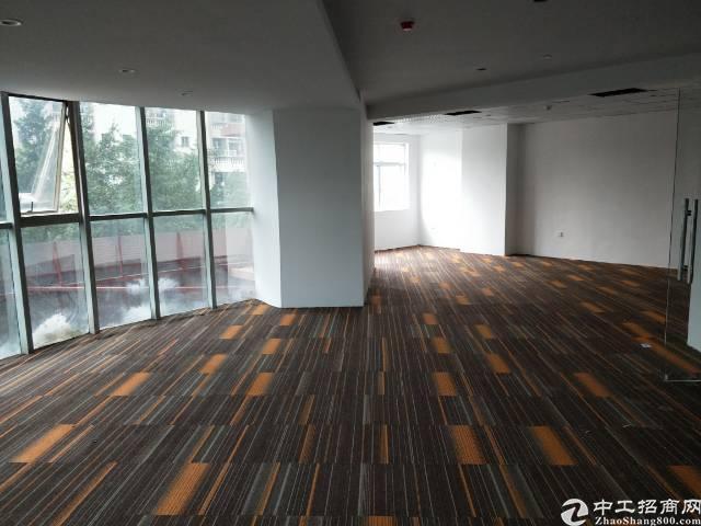福永和平威尔斯酒店旁100平米精装修写字楼 拎包入驻