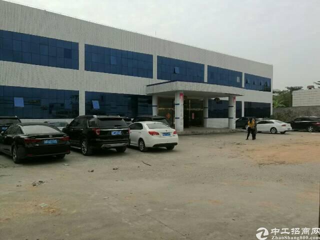 平湖清平高速出口超靓厂房两层独院6600平方米低价出租