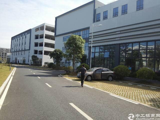 观澜新出标准厂房,17000平方火爆招租中。