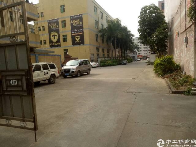 龙岗同乐原房东独院两层1700平招租