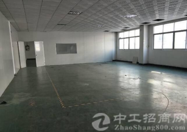 标准厂房2楼580平方出租 带现成办公室装