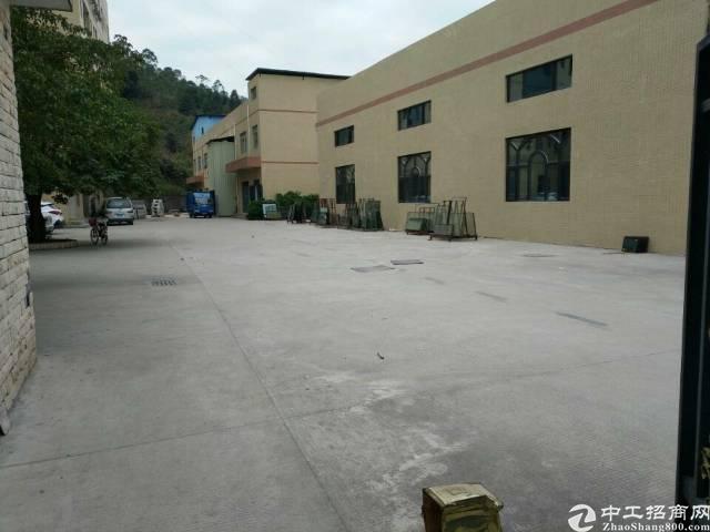 深圳沙井共和新安大桥靠近长安7000平方一楼厂房招租