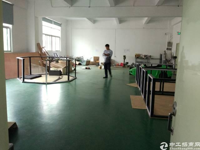 龙华大浪特靓厂房龙观快线100米,带精装修拥,有超大空地,交