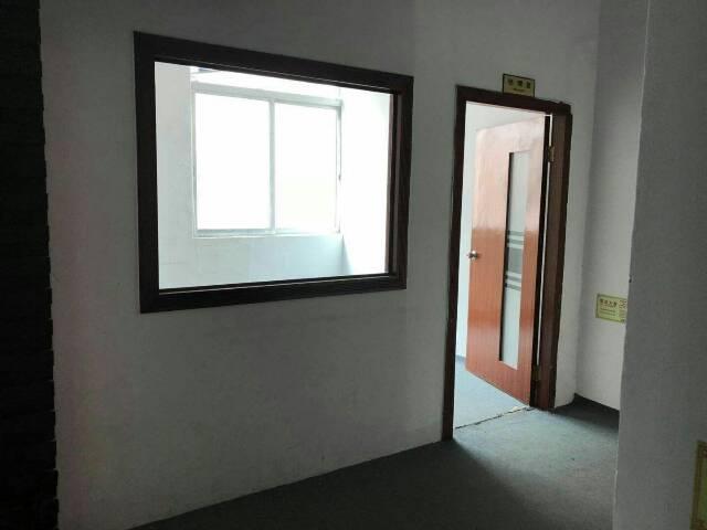 出租福永和平重庆路边工业区500平米带精装修厂房-图3