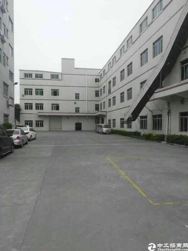 虎门镇沿江高速新出原房东三楼实际面积1400平方米整层