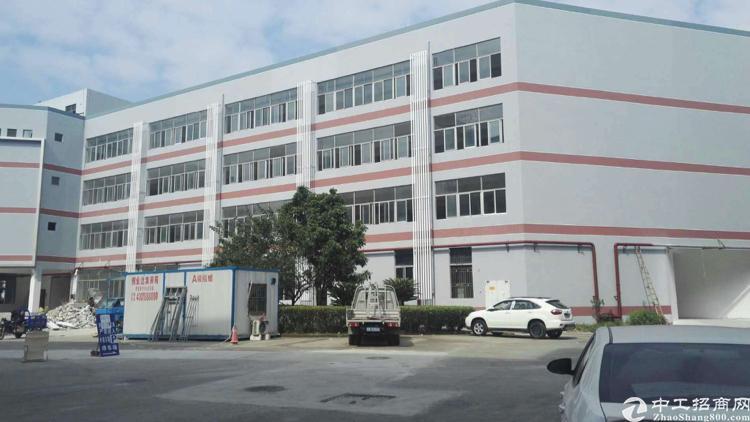 松岗大型工业园新出楼上2000平方米