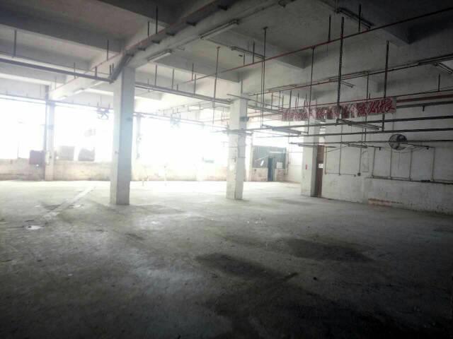 平湖独门独院厂房三楼分租2100平方