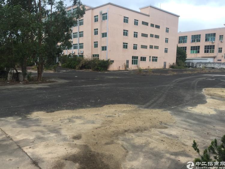 新塘镇107国道边上独院10000平厂房出租