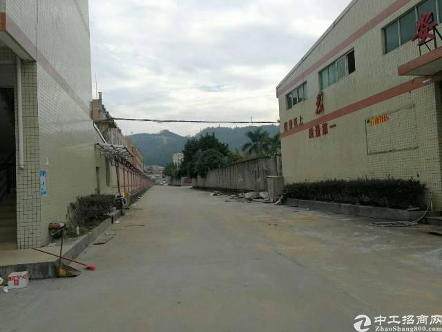 常平镇新有个砖墙到顶8米高钢构厂房2100宿舍办公室300平