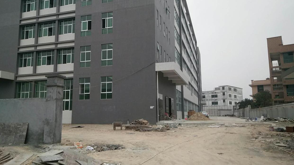 黄江镇新出标准厂房4000平米,环境形象优美,交通便利,靠公