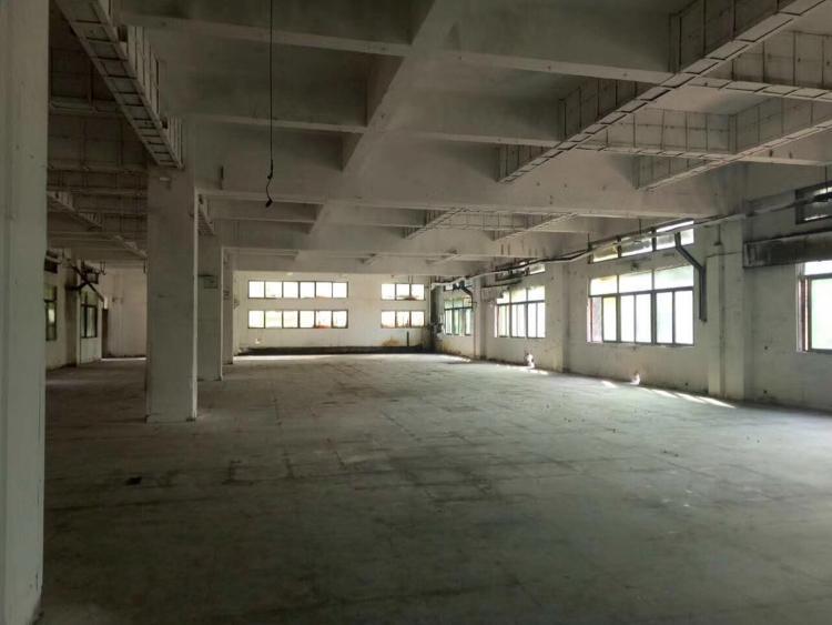 寮步镇向西村楼上厂房二楼1100平方出租