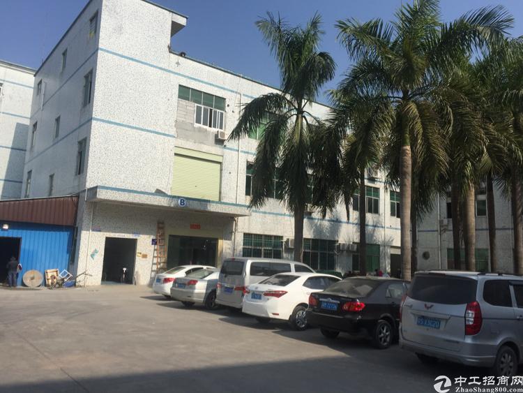 平湖村委2100平方米带装修厂房大小可分出租