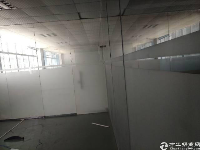 平湖独栋厂房4500平方带装修出租