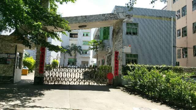平湖华南城东边富民工业区带办公室装修一二楼3600平方米出租