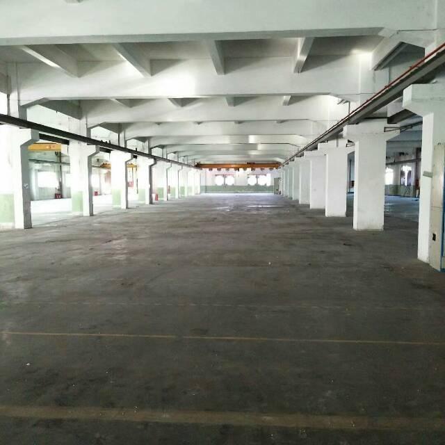 石岩红本产权厂房高速路口旁4200平方层高6米厂房招租