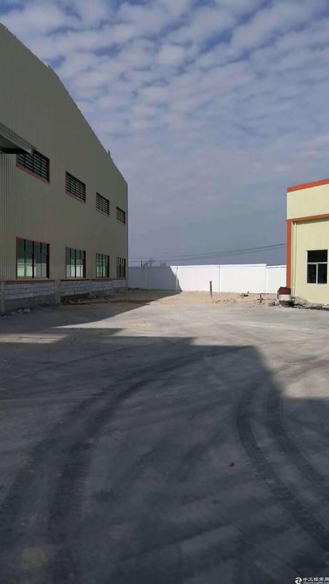 深圳周边全新单一层14000平方带蒸汽管道空地2平方