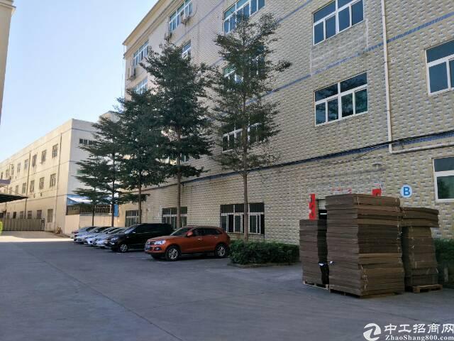 石岩新出700平层高5.5米标准一楼厂房出租